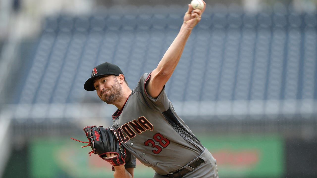 Diamondbacks lefty Robbie Ray talks about his disappointing final start and how he improved in 2016. (Nick Piecoro/azcentral sports)