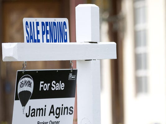 IMG_Pending_Home_Sales_4_1_5IBO7U5P.jpg_20150829.jpg
