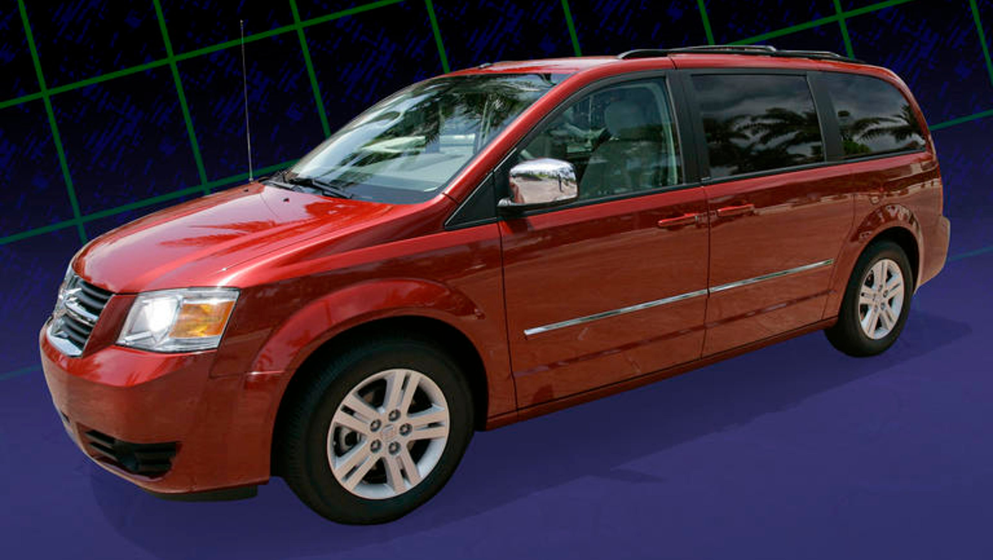 chrysler adds 696 000 vehicles to ignition recall. Black Bedroom Furniture Sets. Home Design Ideas
