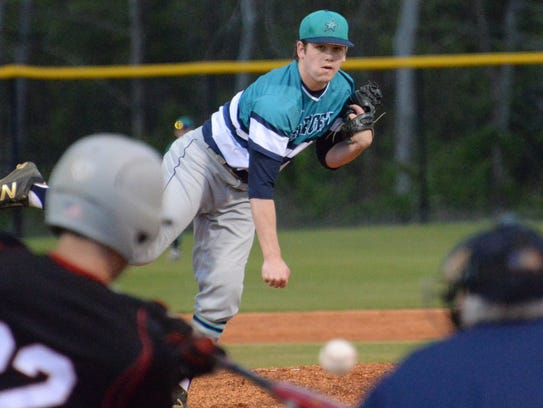 Siegel's John Ross Langworthy was 6-1 with a save.