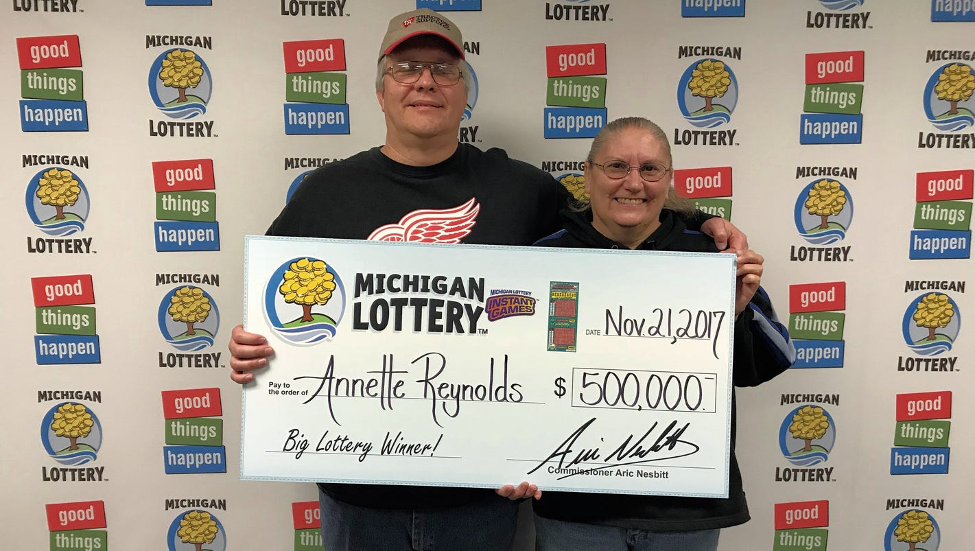 St. Clair County woman wins $500,000 on scratch-off lottery ticket