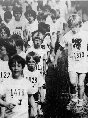 A group of students take part in the Awesome 3000 race on June 2, 1984. Statesman Journal microfilm image