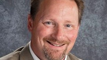 Wausau School Board offers Keith Hilts Jr. of Ashland superintendent job