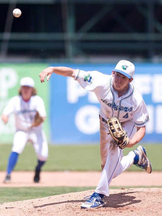 636641565685637547-BUR-0610-d1-baseball-final-30.jpg