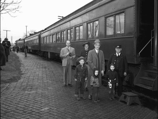 The last train of the C&O Railroad is seen leaving Lancaster on Dec. 26, 1949.