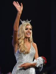 Miss Chattanooga Christine Williamson was crowned Miss