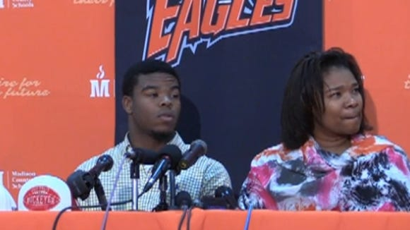 Damien Harris and his mother at his announcement.