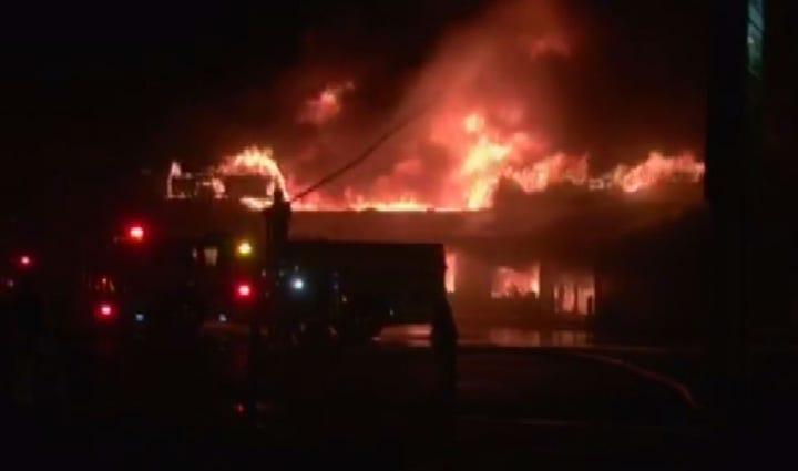Largo strip mall ablaze