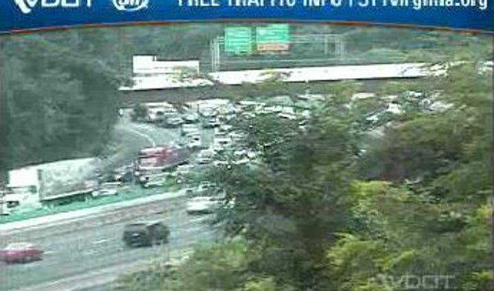 VDOT camera shows Traffic on I-495 Outer Loop at River