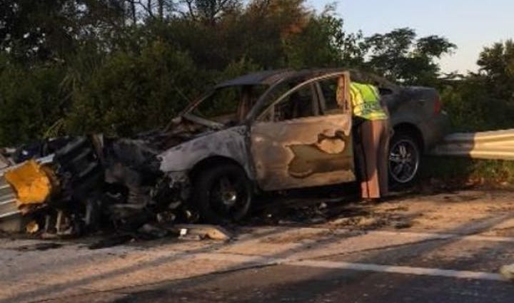 Ford Five Hundred car set fire on I95 near Emerson.