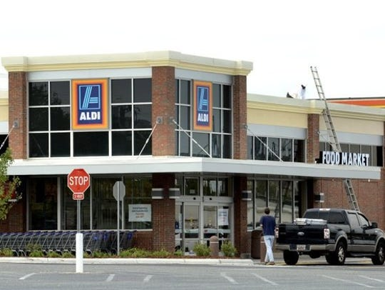 Discount grocery chain Aldi is coming to Cape Coral.