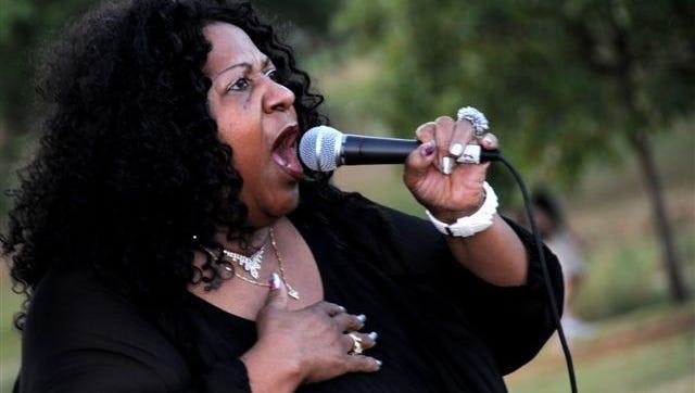 Iowa City blues artist Gloria Hardiman.