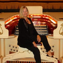 Hear 'Chart Toppers' on theater organ at the Forum