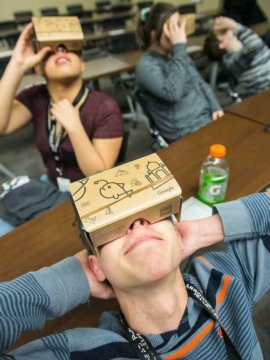 GOOGLE Virtual Reality Headsets 1