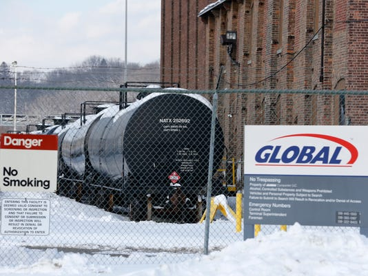 -ROCBrd_04-10-2014_DandC_1_A006~~2014~04~09~IMG_Oil_Trains-Moratoriu_1_1_OC7.jpg