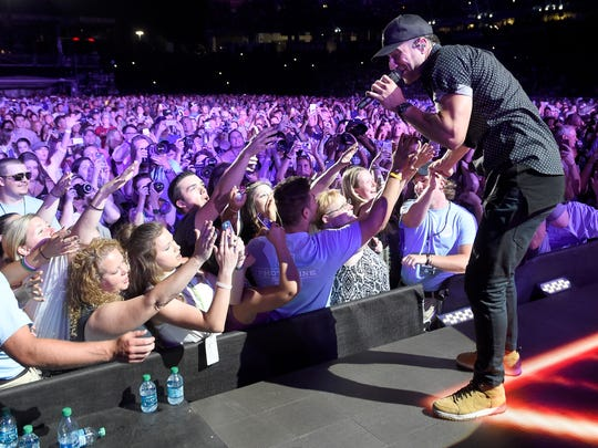 Sam Hunt performs at the 2016 CMA Music Festival on