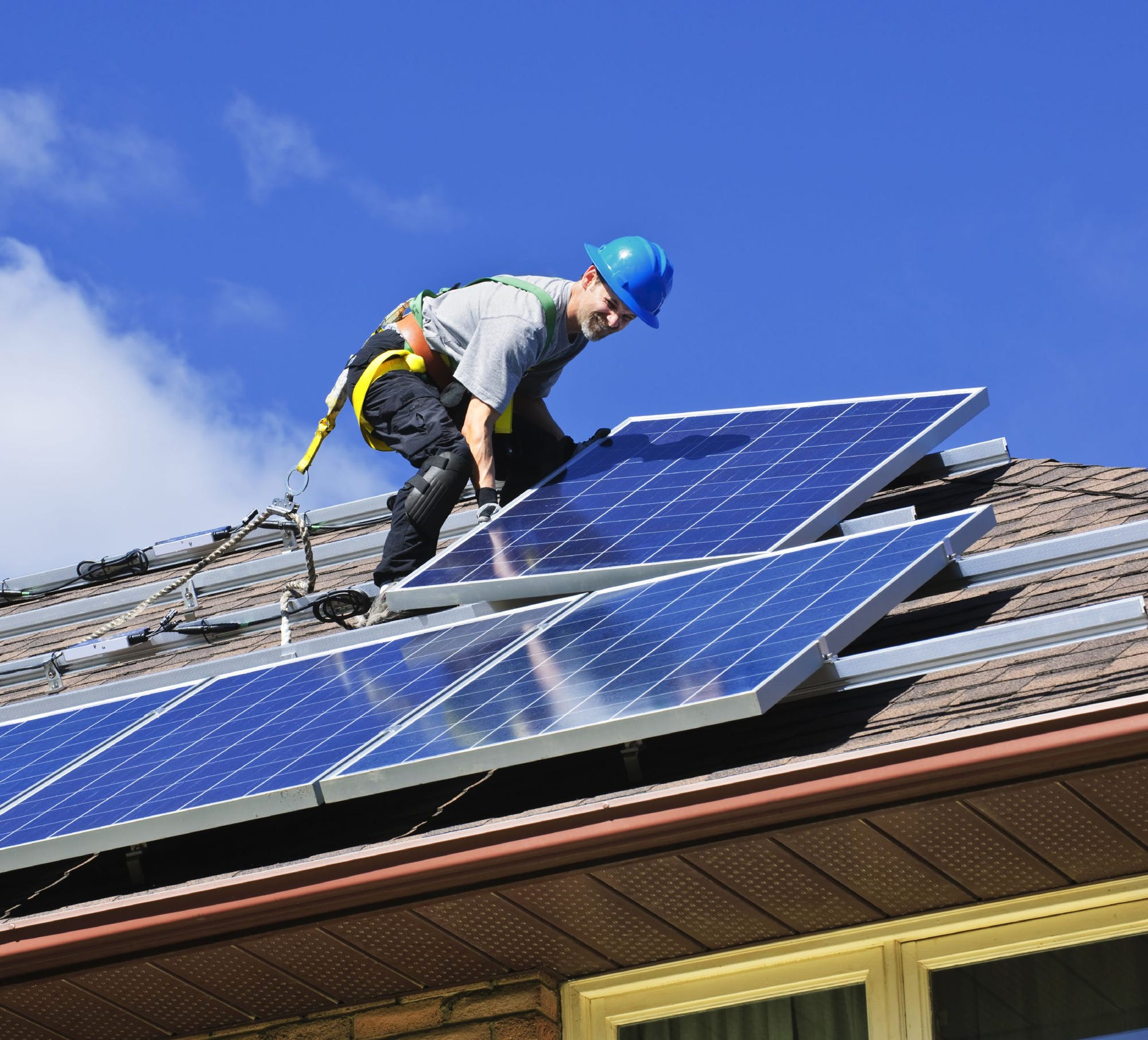 are solar panels worth it? 10 things to consider before installingsolar panels install