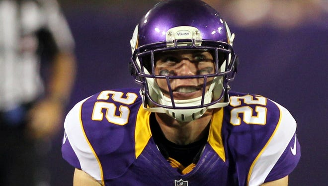 Minnesota Vikings safety Harrison Smith (22) reacts to a play.