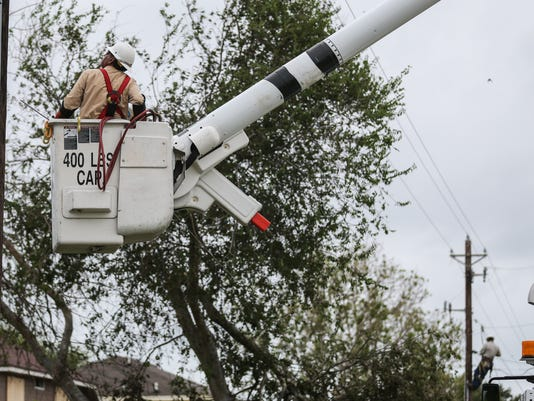 Hurricane Harvey: West Texas AEP Crew work in Corpus Christi