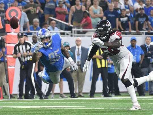 Lions tight end Eric Ebron is unable to catch a pass