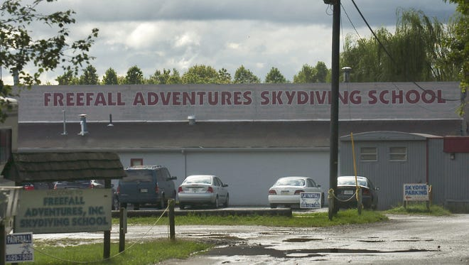 Exterior of the Freefall Adventures Skydiving School in Monroe.  09/15/06  photo by Chris LaChall/Courier-Post