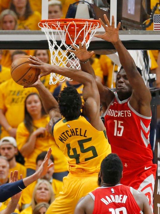 Rockets_Capela_Development_Basketball_32971.jpg