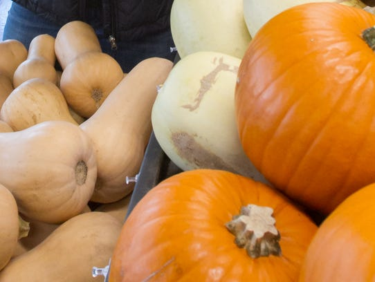 Pie pumpkins and butternut squash, found at Simply
