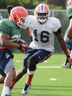UTEP linebacker Alvin Jones chases down an ball carrier during a workout.