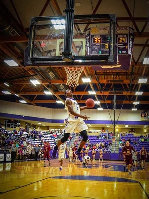 Czar Perry has signed with Northwestern State.