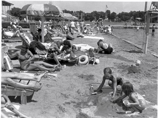 5 Fun Suburban Indy Water Parks