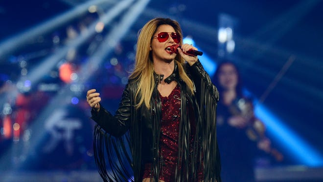 Shania Twain performs in concert Friday, July 31, 2015.