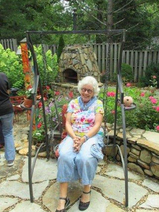 BMN 062515 A6 This Week Garden contest