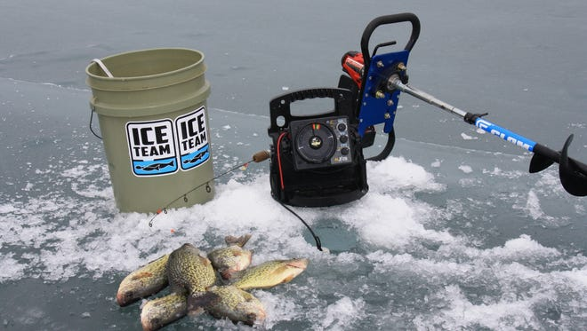 By keeping the ice fishing tools simple, winter mobility becomes easier.