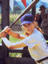 Geena Davis comes out swinging in 'A League of Their
