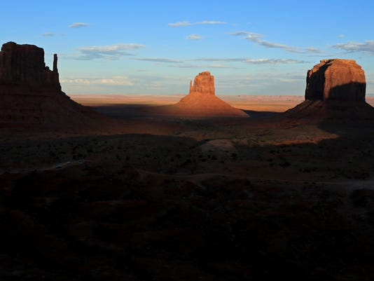 STG 1023 monument valley 01.jpg