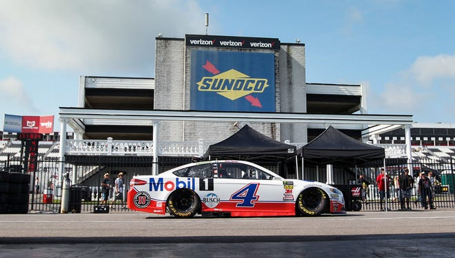 Kevin Harvick will start Sundady's Gander Outdoors 400 at Pocono Raceway from the pole.
