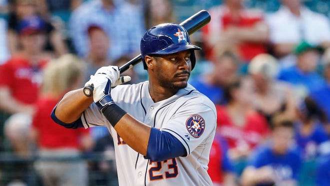 Former Astros first baseman Chris Carter has signed a 1-year deal with the Brewers.