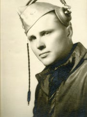 Moorehead Phillips as a flight cadet, 1943