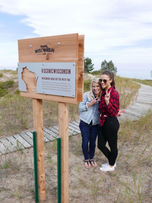 636588841075614539-Selfie-Stand-at-Kohler-Andrae-Credit-Travel-Wisconsin.jpg