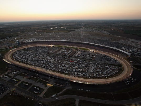 Texas Motor Speedway Hopes To Lure Texas Oklahoma Or Maybe