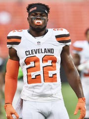 Browns linebacker Jabrill Peppers (22) warms up before