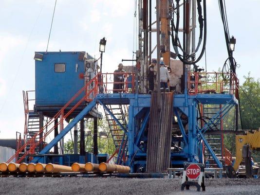 -BGMBrd_11-21-2013_Daily_1_A008~~2013~11~20~IMG_Gas_Drilling_Public__2_1_KG5.jpg