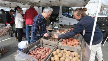 Farmers markets opening outdoors for spring 2018