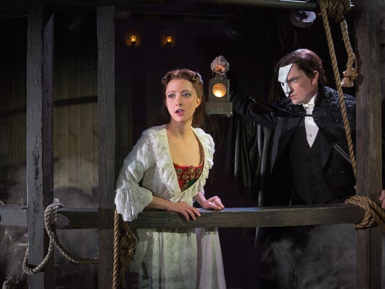 Katie Travis as Christine and Chris Mann as The Phantom