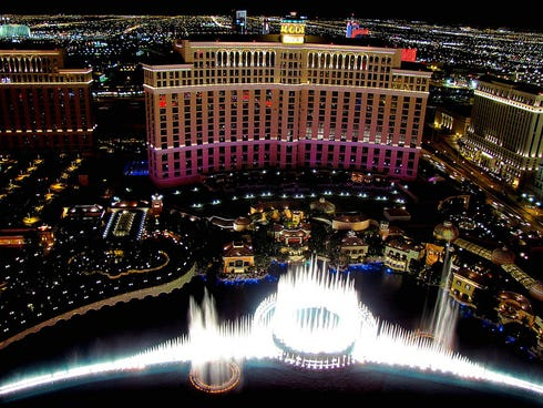 Many of the best sights are free, including the spectacular Fountains of Bellagio, one of the most photogenic attractions on the Strip. The fountains are choreographed to music.