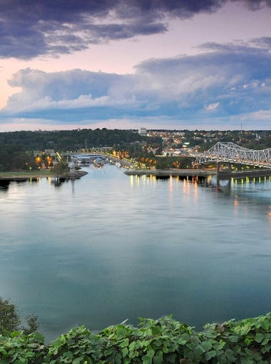 Alabama: Florence sits on the Tennessee River in North Alabama and is a gateway to Helen Keller's home in nearby Tuscumbia and Muscle Shoals' tremendous music scene.