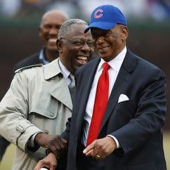 Ernie Banks dies at 83