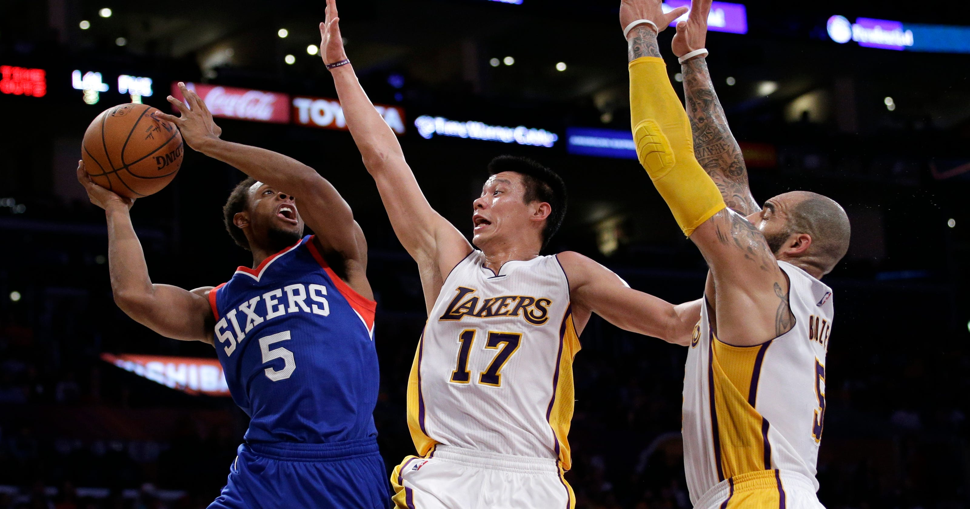 118585642301 Lin s 29 points help Lakers beat 76ers