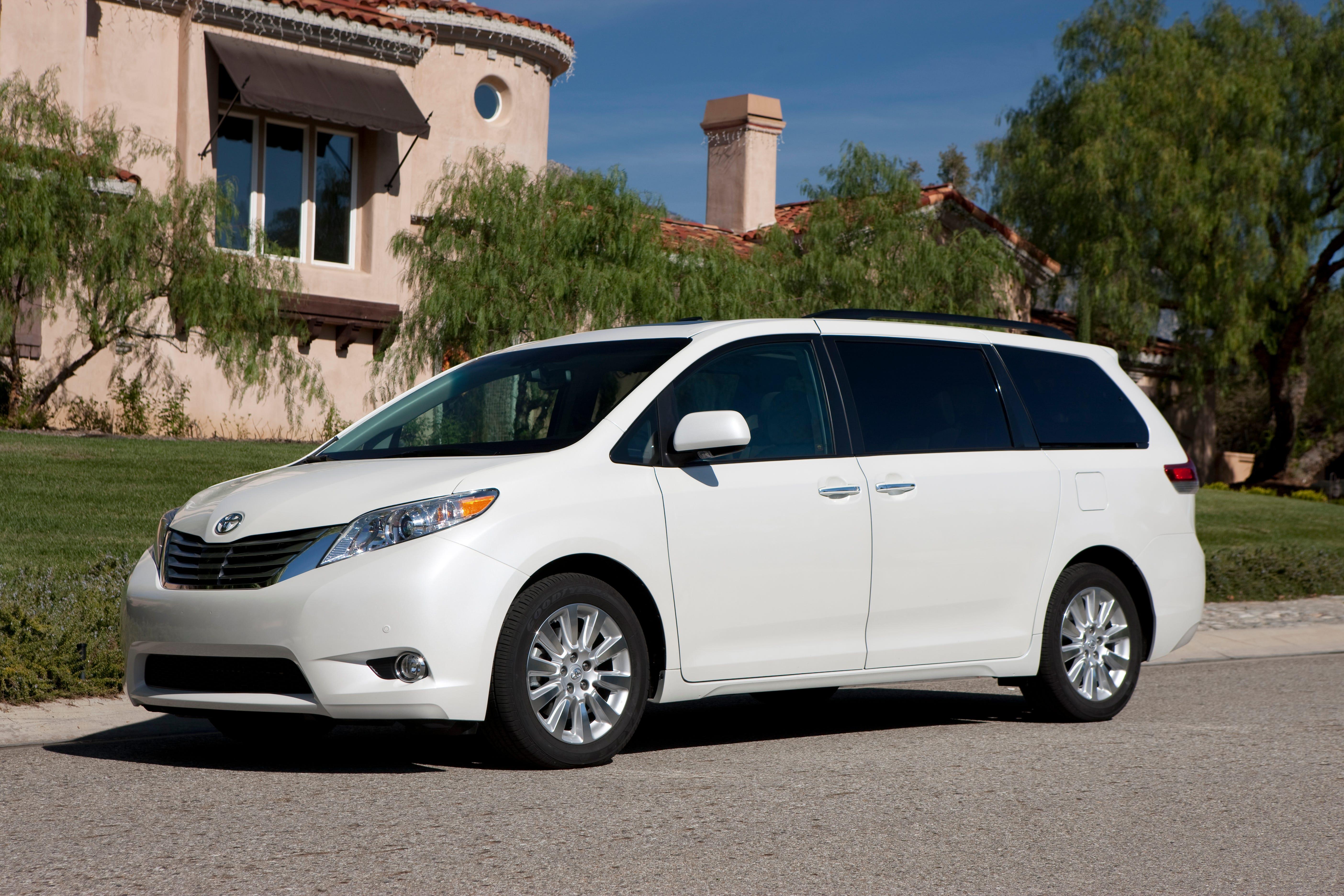 Toyota Sienna Service Manual: Registration