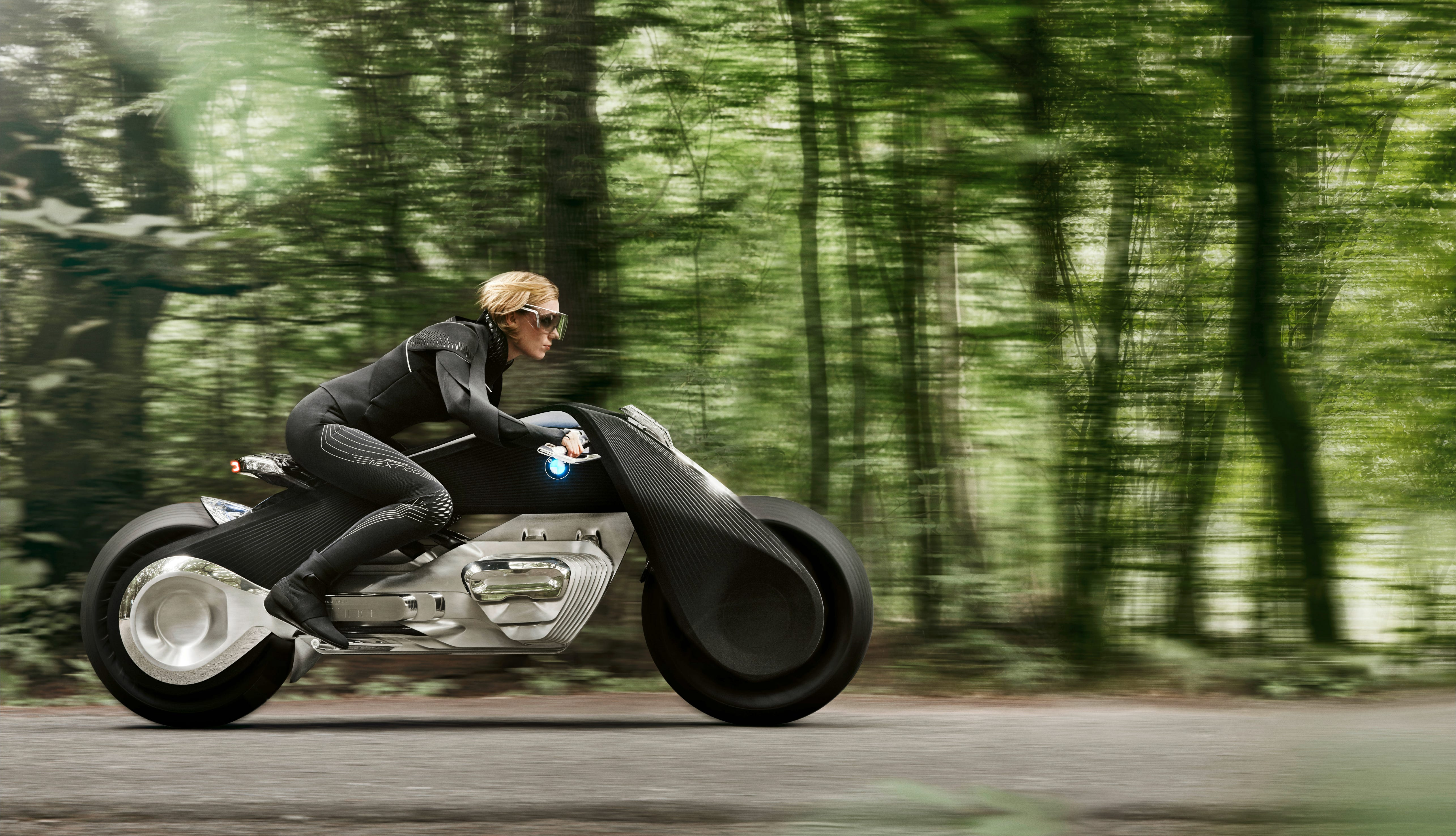 636117969993182019 06 P90238694 BMW Motorrad VISION NEXT 100 this bmw motorcycle balances itself  at soozxer.org